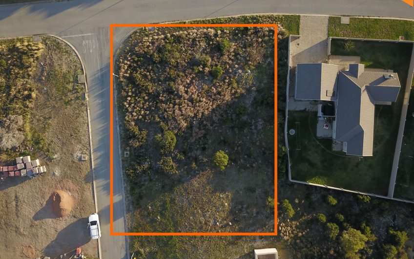 PLOT ON AUCTION IN JEFFREY'S BAY
