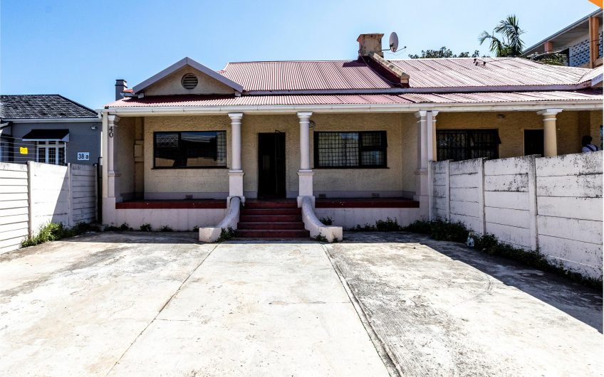 7 BEDROOM HOUSE ON AUCTION IN SOUTHERNWOOD, EAST LONDON