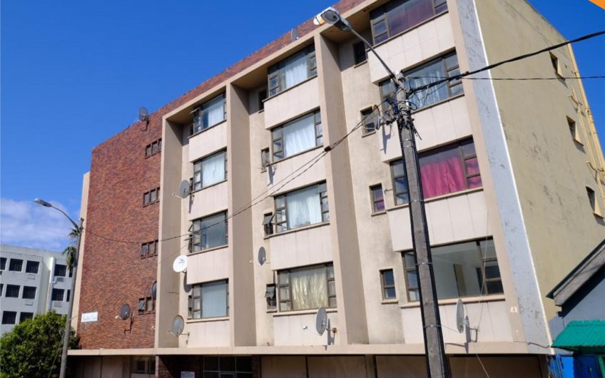 2 BEDROOM FLAT ON AUCTION IN QUIGNEY, EAST LONDON